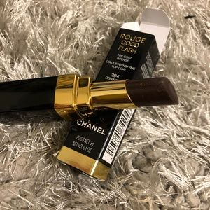 Chanel Rouge COCO Flash 204